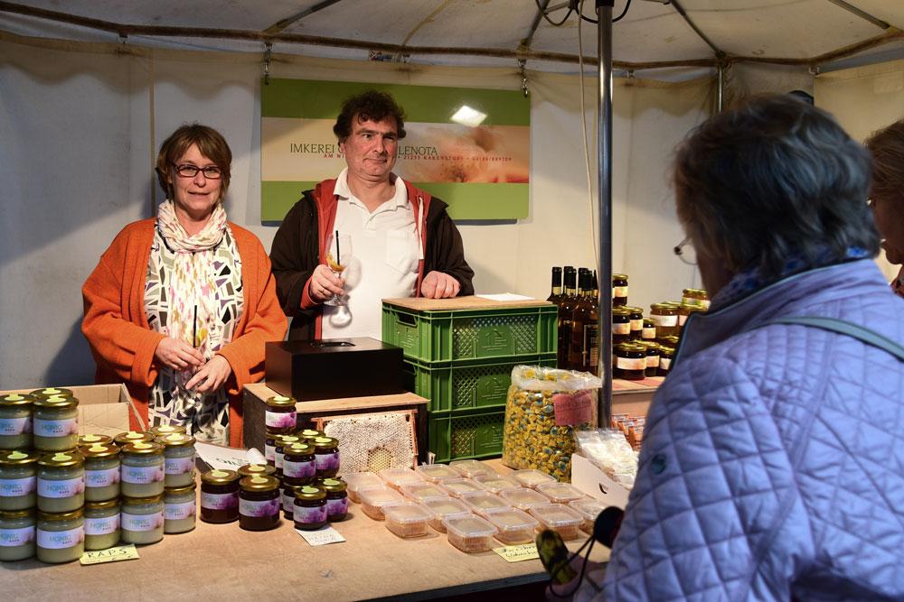 Marktstand der Imkerei Günther Klenota